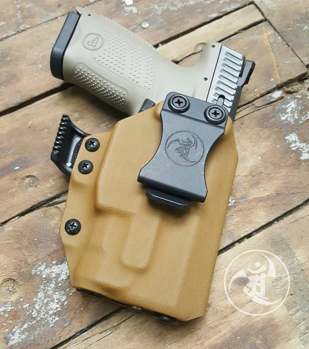 CZ P10C with @inforce01 APLc dressed in Coyote IWB holster with RCS