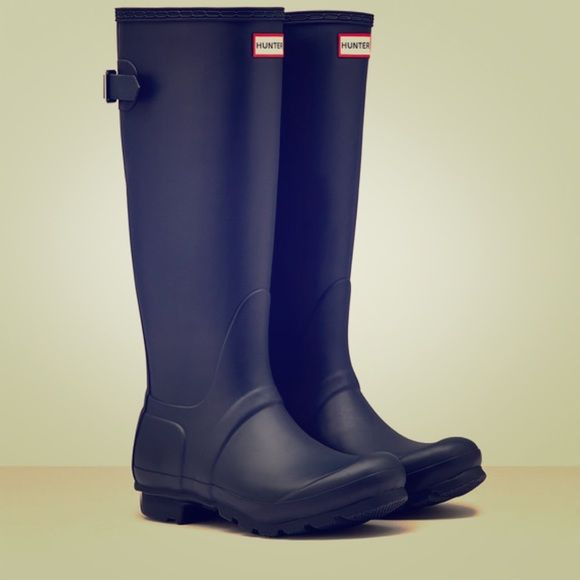 New Hunter boots! New in box!! Navy blue tall hunter boots. Never worn! Comes with dust bag and original box! Price is firm Hunter Boots Shoes Winter & Rain Boots