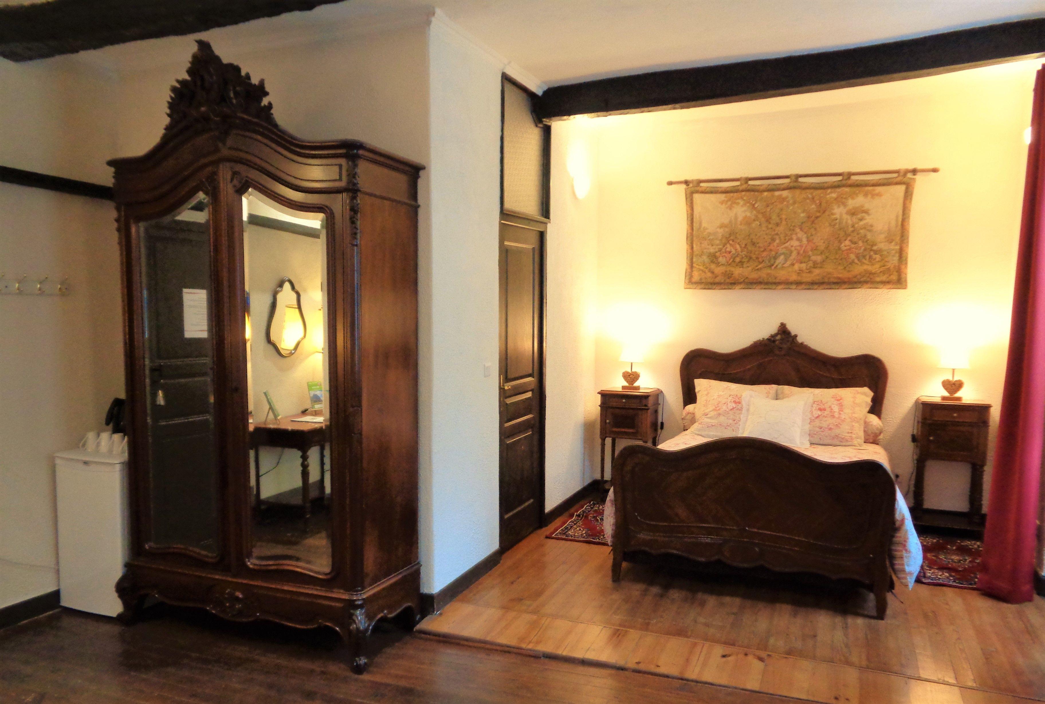 La partie chambre  coucher de la chambre d h´tes La Royale