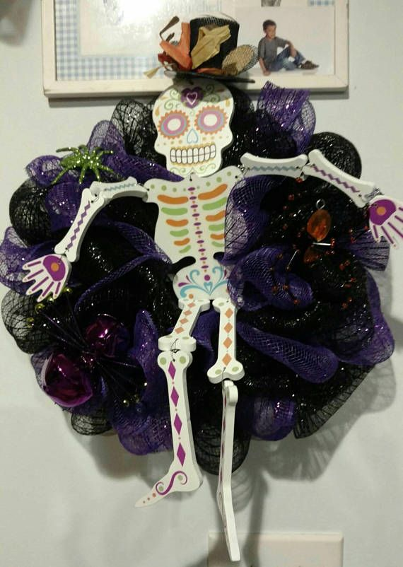 Mr bones mesh wreath