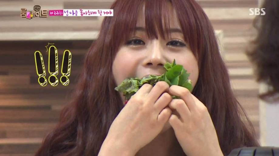 KARA's Youngji wows with her appetite on 'Roommate' | http://www.allkpop.com/article/2014/10/karas-youngji-wows-with-her-appetite-on-roommate