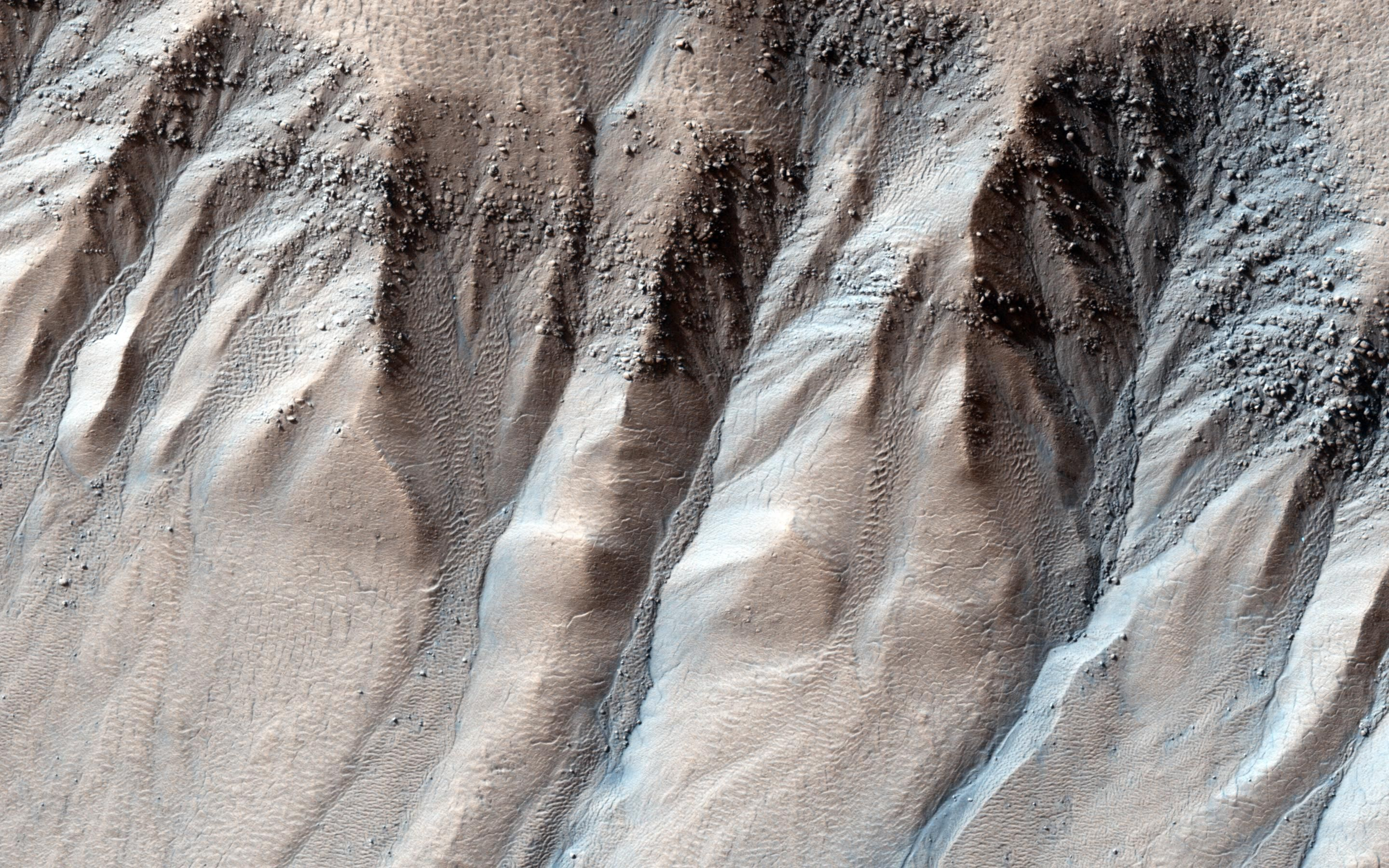 Could water have carved channels on Mars half a million years ago?