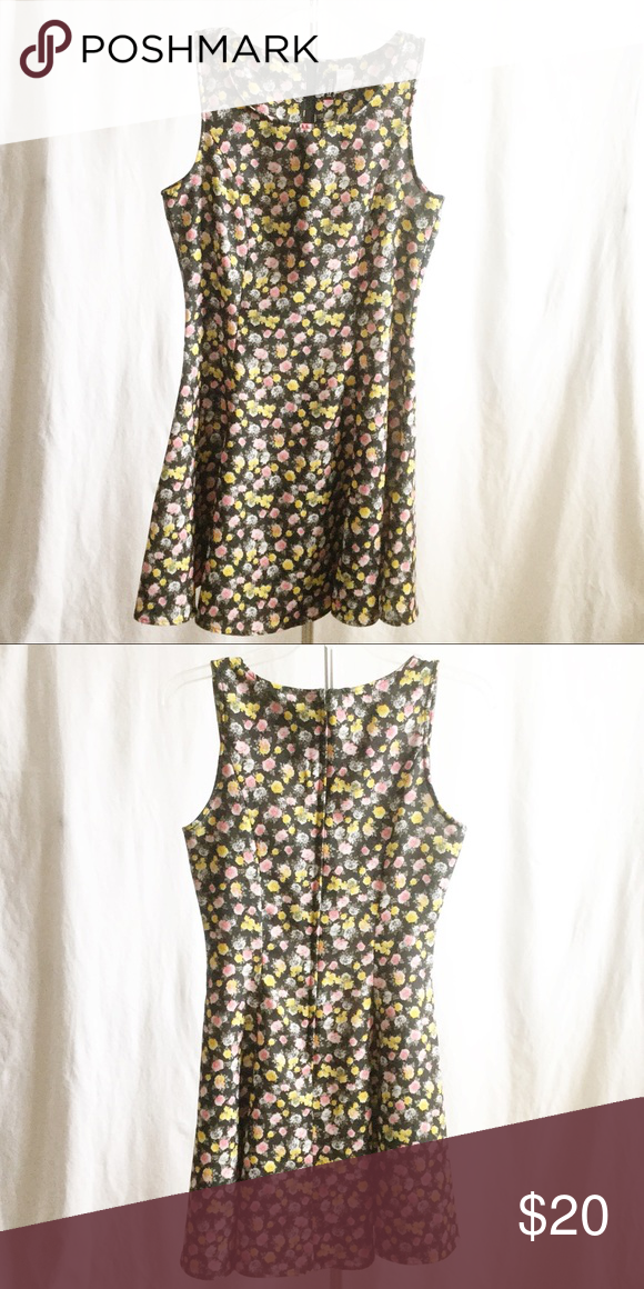 2a9c19a9f79 Divided Floral A-line Dress This H&M brand dress features gray, pink ...