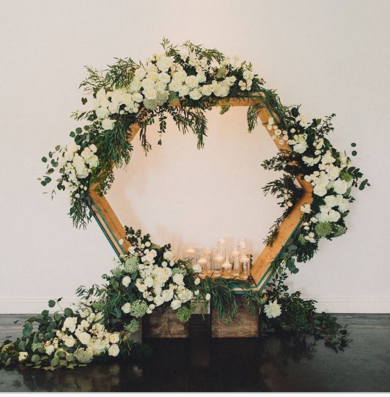 Wedding Altar Hire: Modern Minimalist Wedding Inspiration That We Would Love
