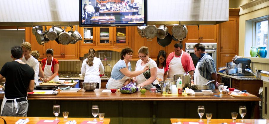 Maverick Southern Kitchens High Cotton Charleston Slightly North Of Broad High Cotton Gree Cooking School Kitchen Cooking Class Kitchen Cooking For A Group