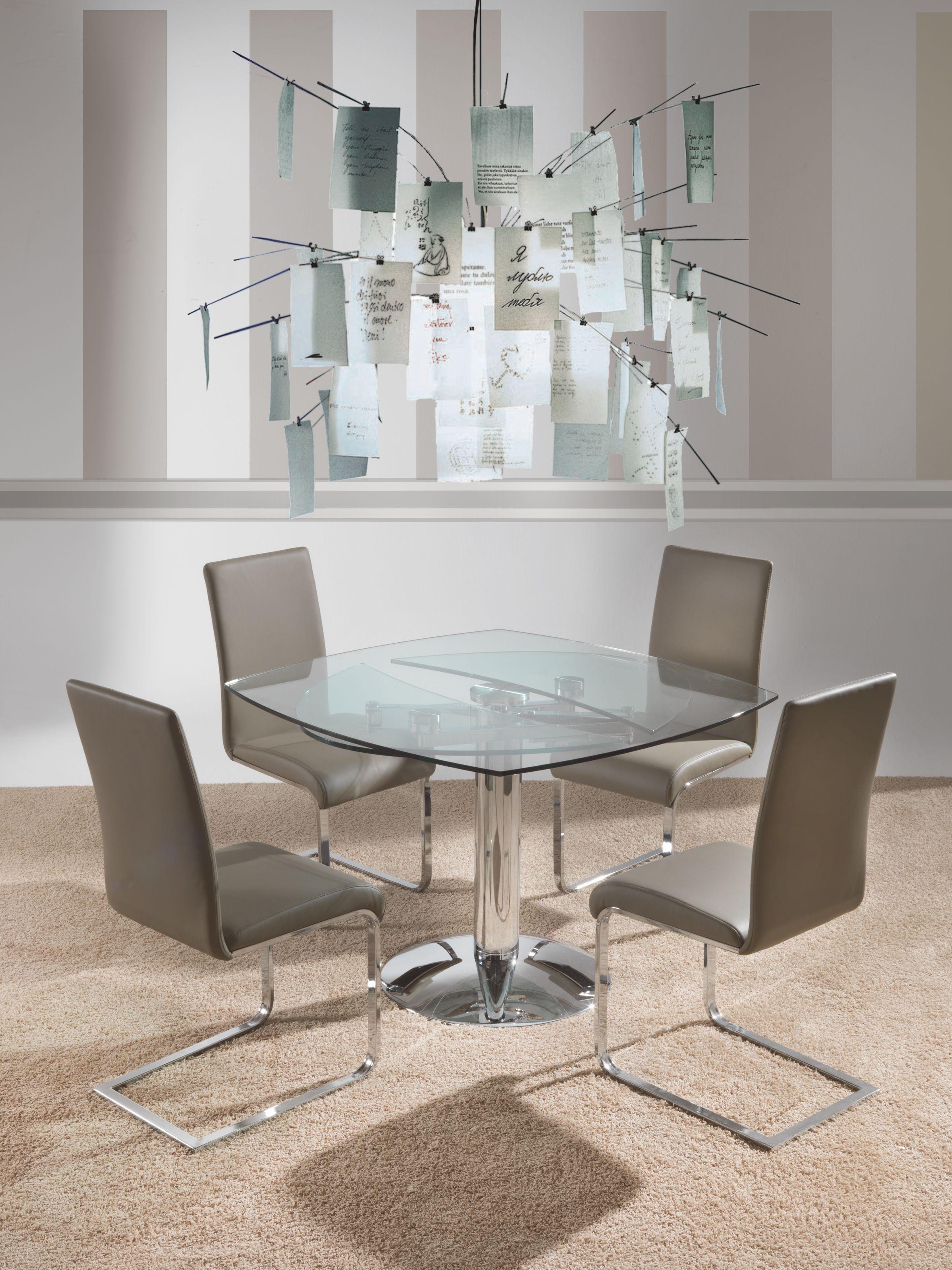 Sedia modello Kant 299 con struttura in metallo cromato e rivestita