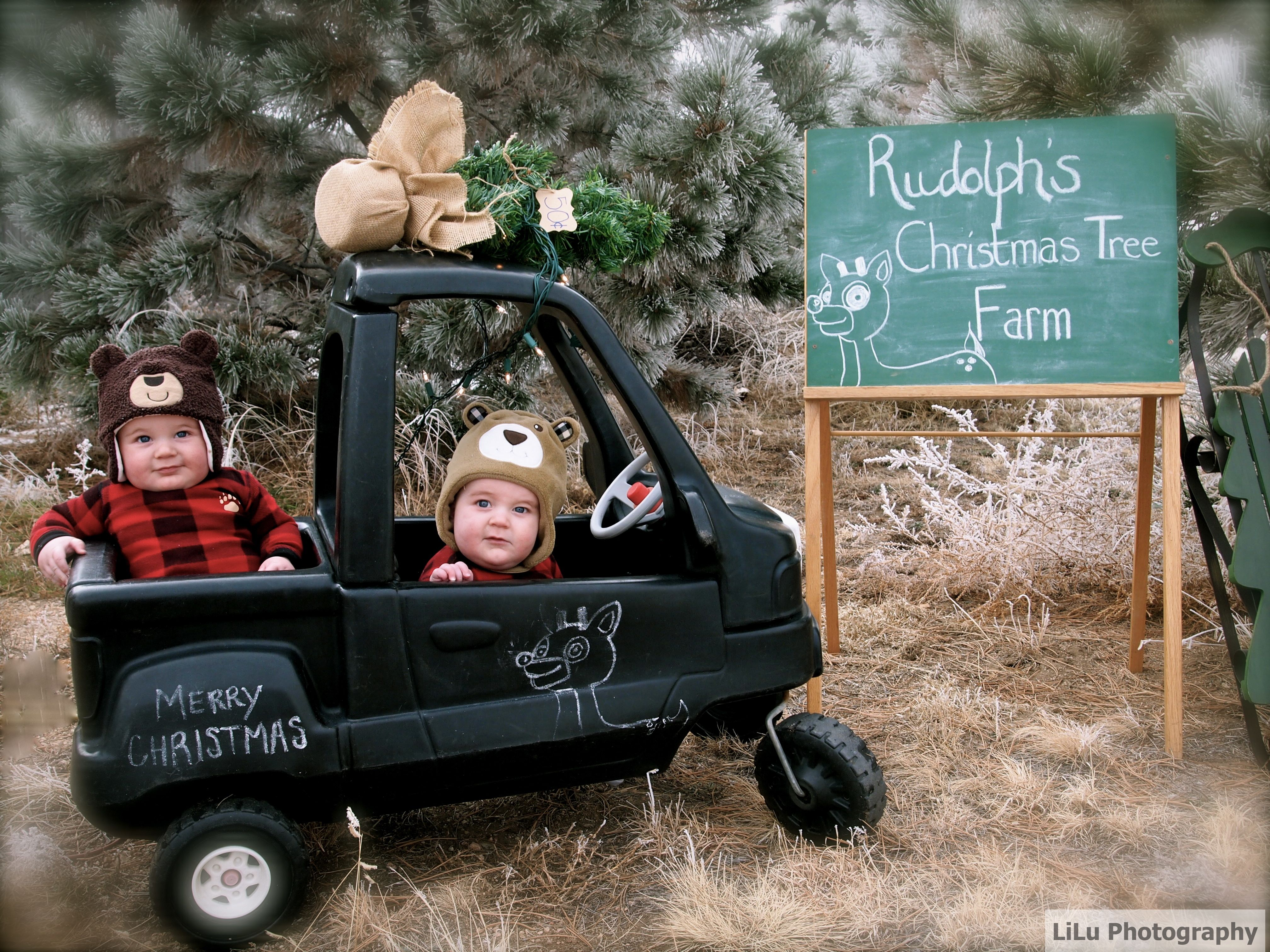 Christmas card ideas for twins and multiples