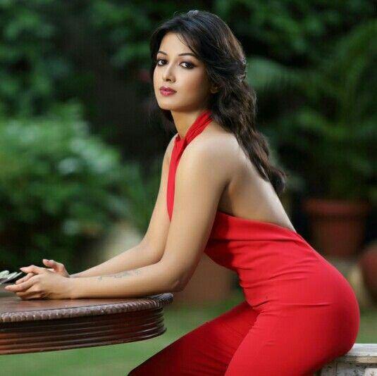 Sexy butt actress
