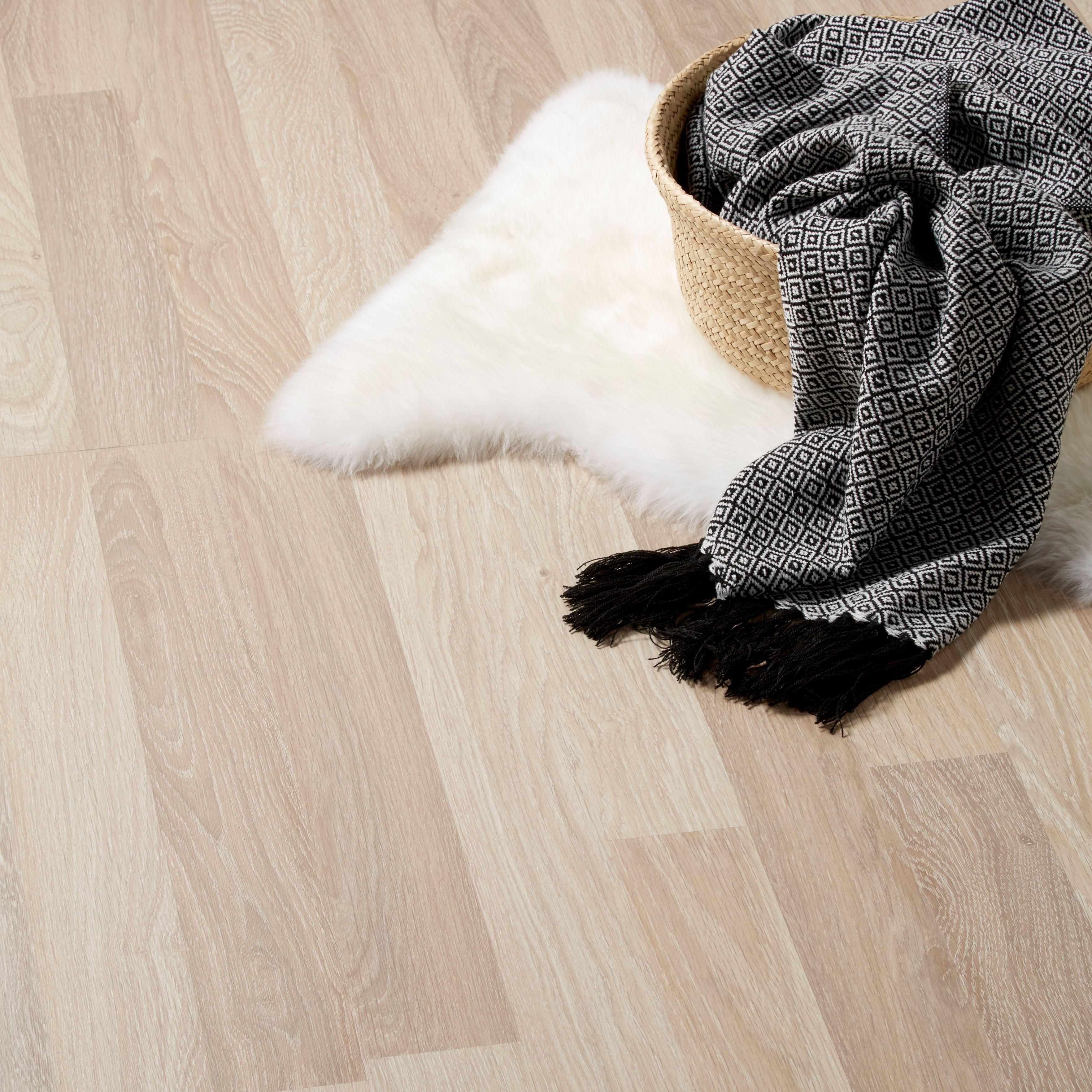 Broome Natural Oak Effect Laminate Flooring 1.996 m² Pack ...