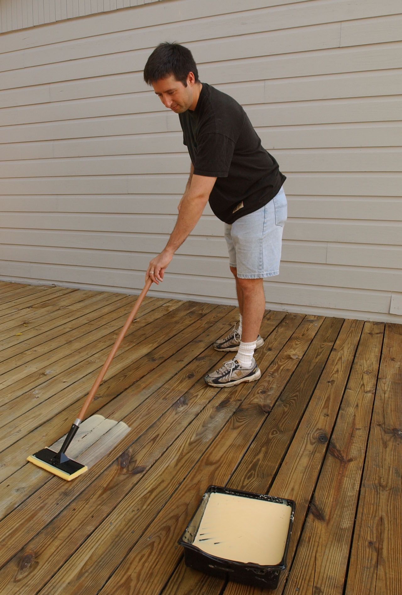 A paint pad is a great tool for applying thompsons water seal thompsons waterseal offers waterproofing products to care for your wood deck and other exterior surfaces our waterproofing and wood stain products will baanklon Gallery