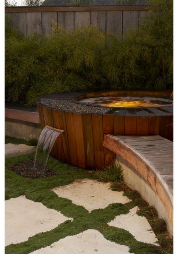 Entspannende Badewanne im Garten genießen Gardens
