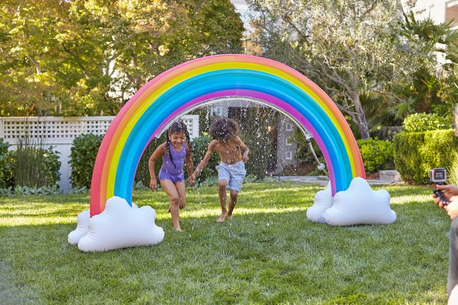 12 Backyard Games That Kids And Adults Will Love All
