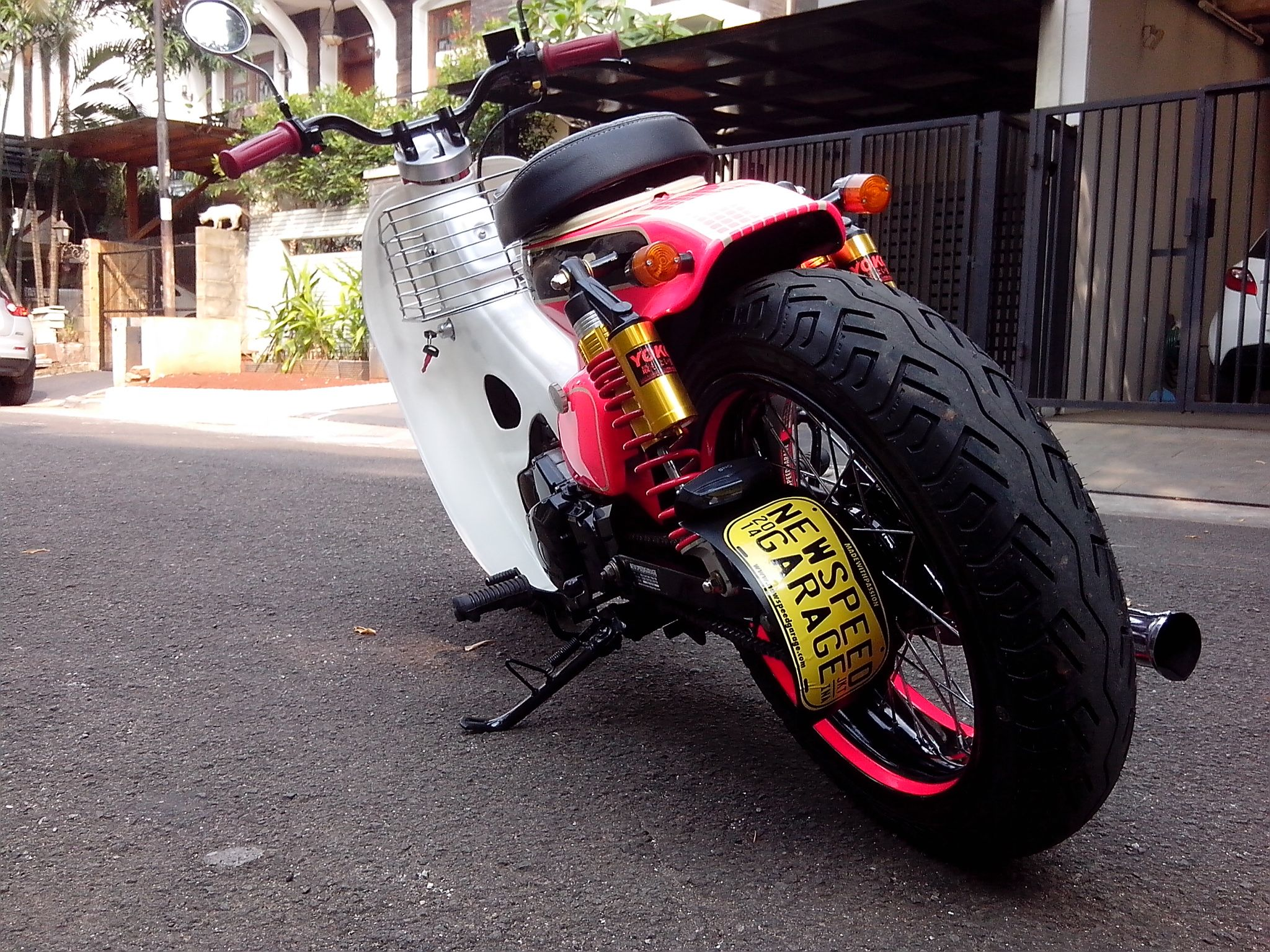 Street cub pink rascal by newspeed garage motorcycle for Garage modification