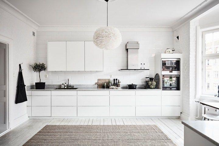 Lámpara de plumas en la cocina | Küche