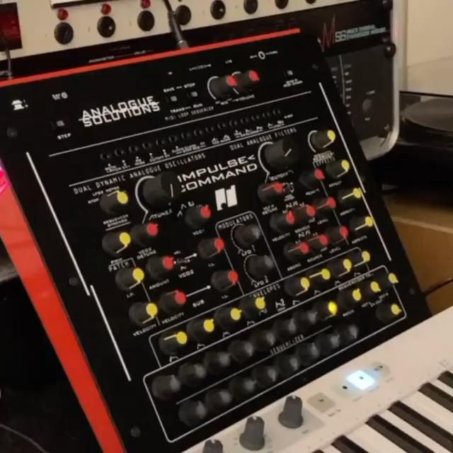 Impulse Command Drums run through pedal effects @tubedigga . Visit @tubedigga for the full video and info! . #impulsecommand #analoguesolutionsimpulsecommand #analoguesolutions #synthdrums #synthesizer #zoomeffects #analogsynth #analogsynths #sequencer #analogsequencer #synths #synth #eurorackmodular #modularsynth #industrial #eurorackmodularsynth #studiolife #studiovibes #darkwave #industrialmusic #beats #analogpercussion #instasynth #synthstagram