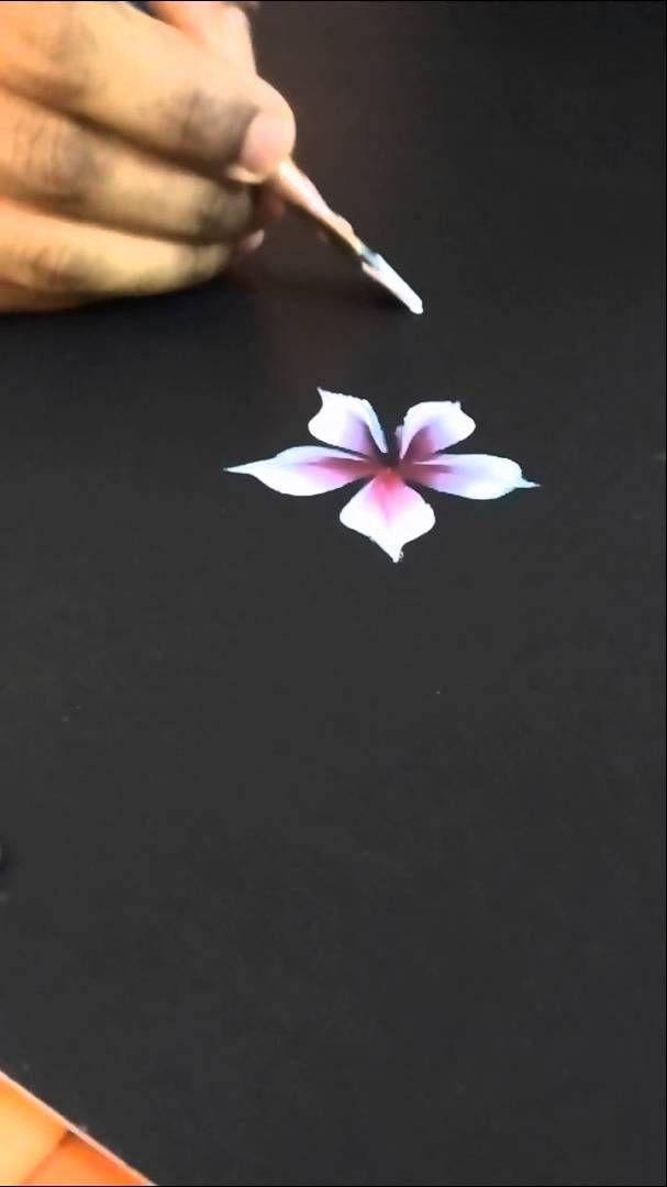 A simple flower                                                                                                                                                                                 Más