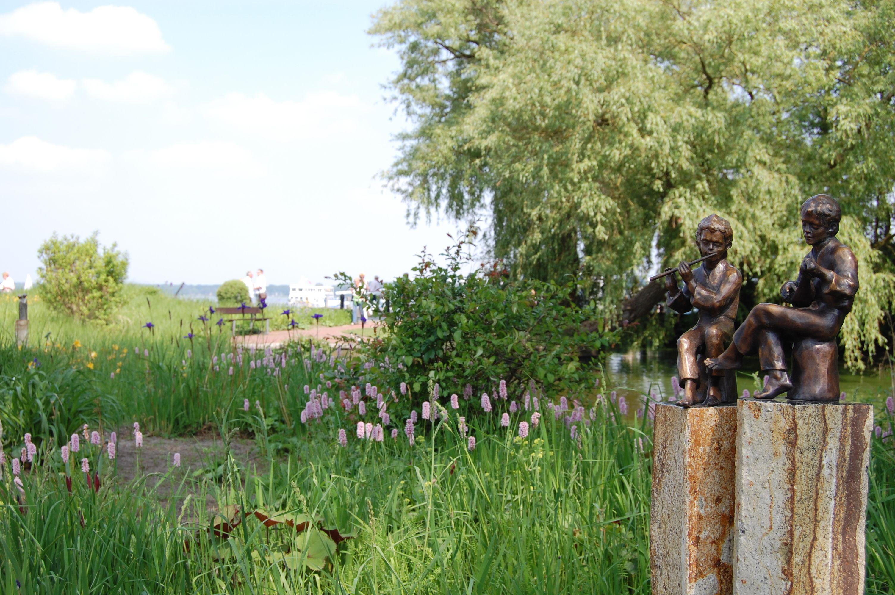 Im Kurpark In Bad Zwischenahn Kann Man Tolle Spaziergange Direkt Am Zwischenahner Meer Machen Ostfriesland Urlaub Ostfriesland Zwischenahner Meer