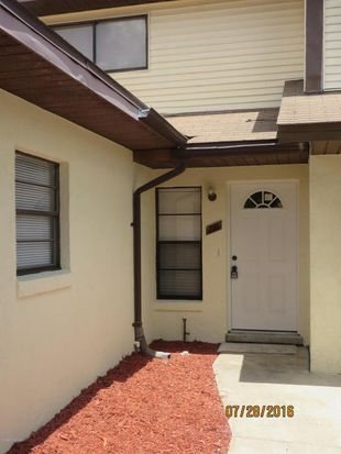 281 E Towne Pl Titusville Fl 32796 Zillow Home Family Home