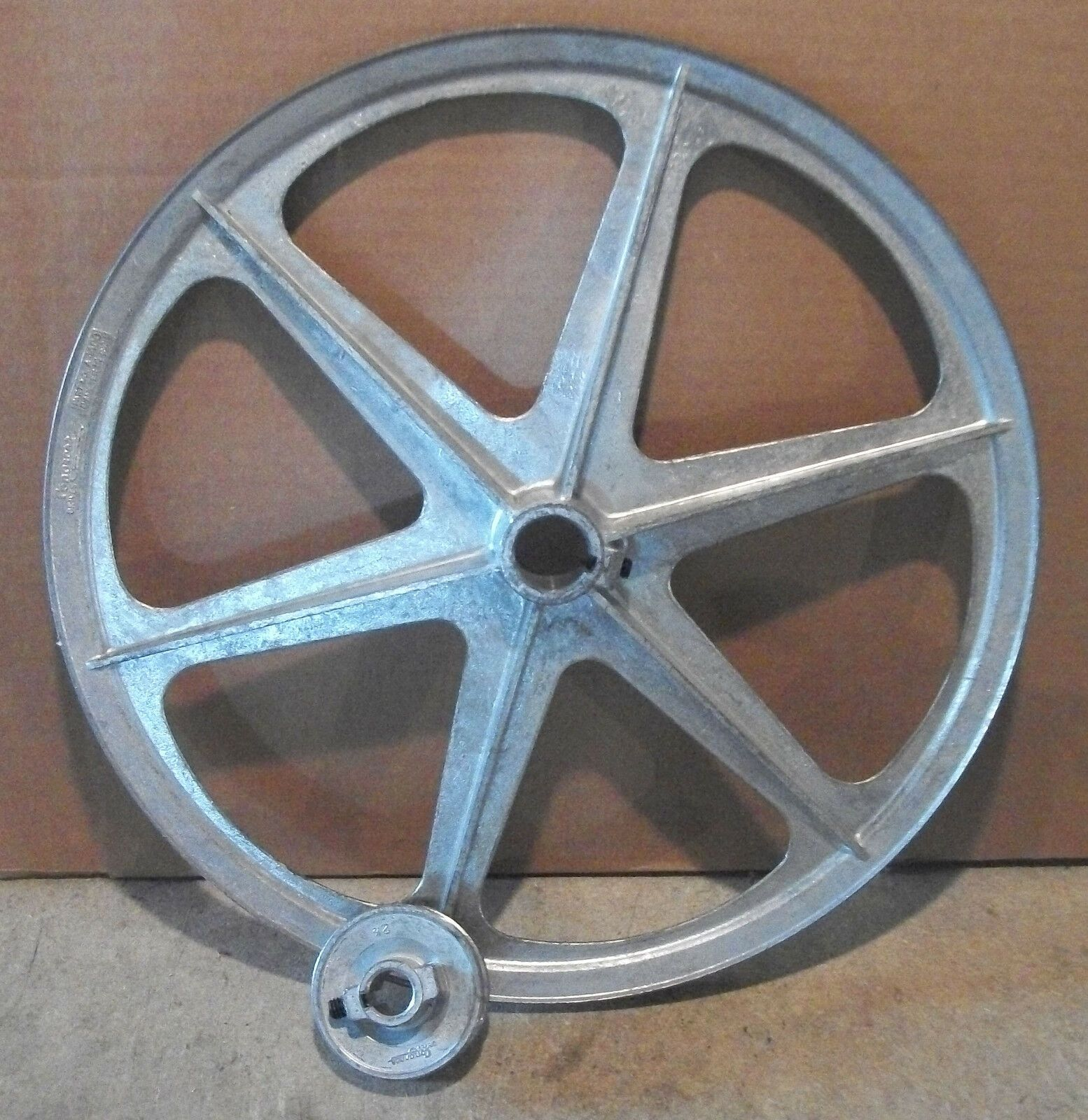 """Pulley Set for Whizbang Chicken Plucker 14/"""" driven pulley and 2.5/"""" drive pulley"""
