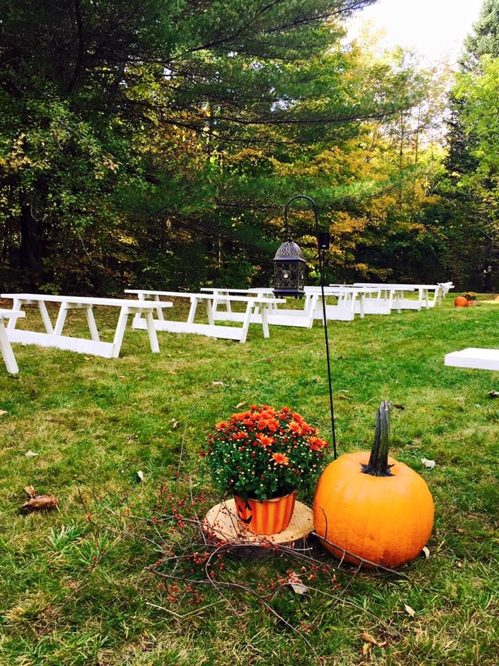 outdoor ceremony decorations <3