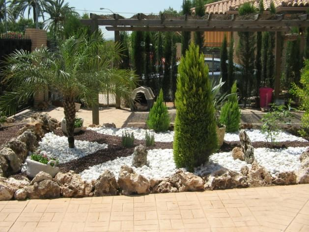 Decoracion de jardines con garden pinterest for Piedras blancas para patio