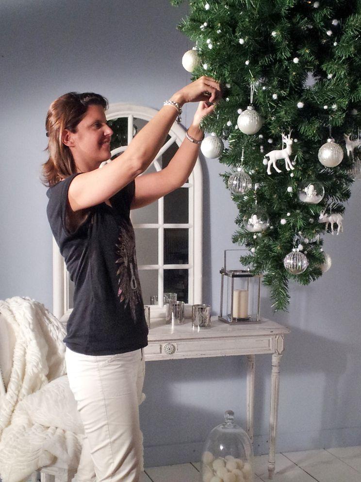 making off photo sapin l 39 envers pour jardiland par laurence garrisson vitrine noel. Black Bedroom Furniture Sets. Home Design Ideas