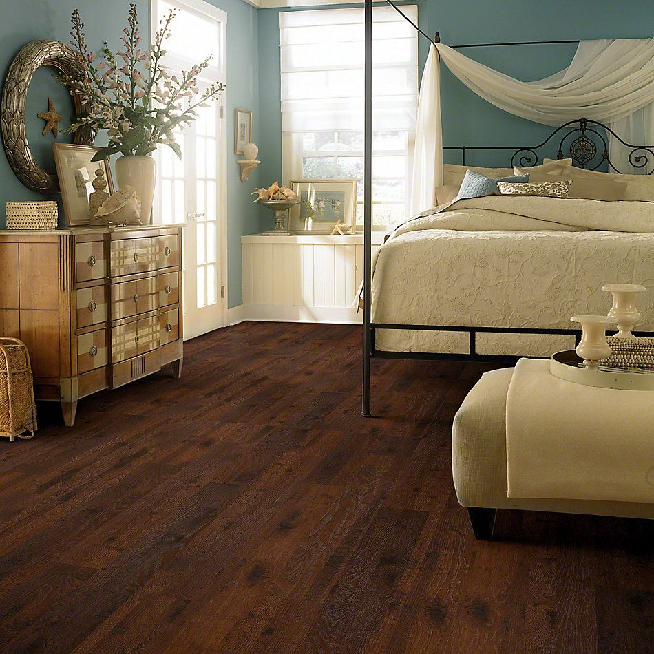 Learn about Hickory (SA544) Laminate Flooring in