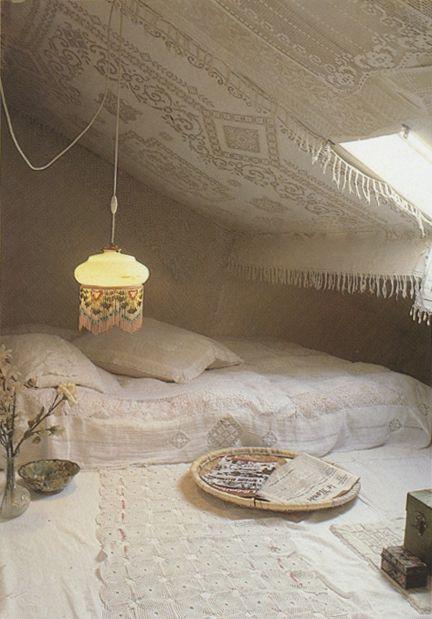 // crochet cave .. Oh my god, it's beautiful.