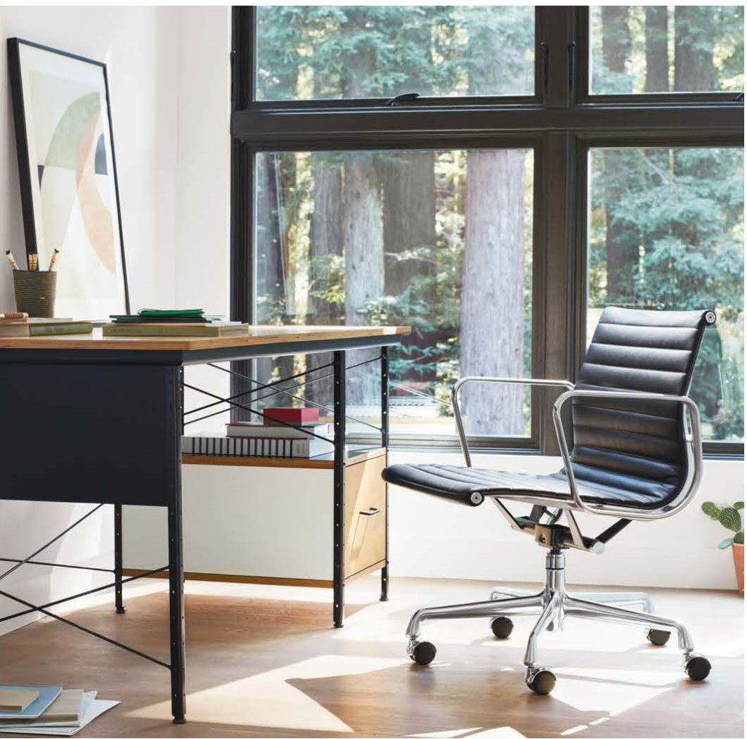 Eames Aluminum Group And Eames Desk By Hermanmiller Eames Desk Herman Miller Eames Office Chair Eames Office Chair
