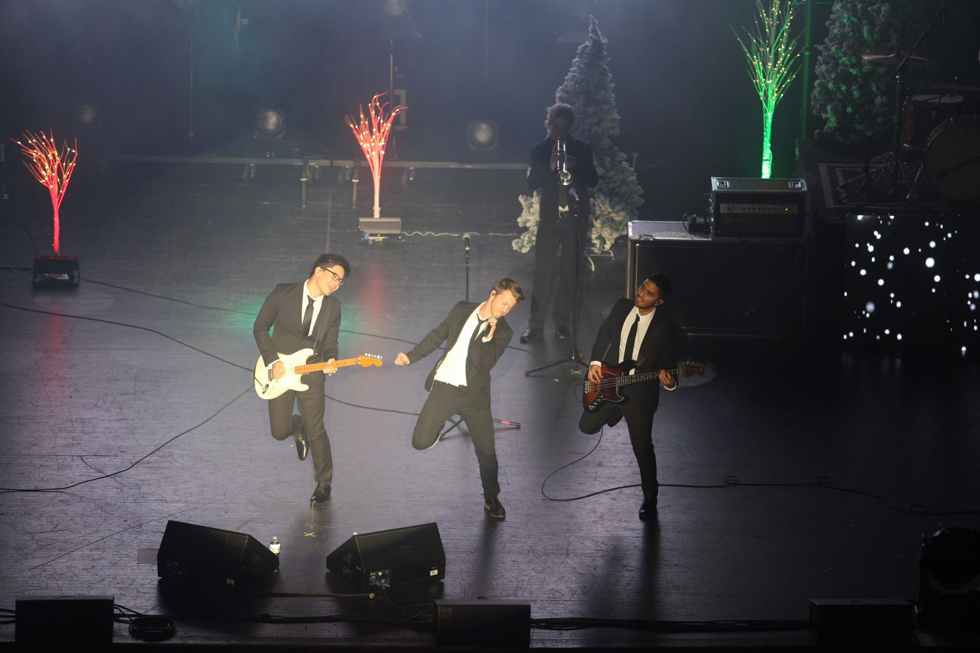 K-LOVE Christmas Tour 2015 http://klove.cta.gs/1n8 | K-Love [Radio ...