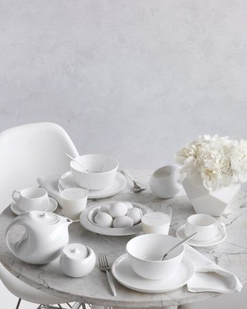 Minimal And Modern Table Settings Marc Newson Collection By