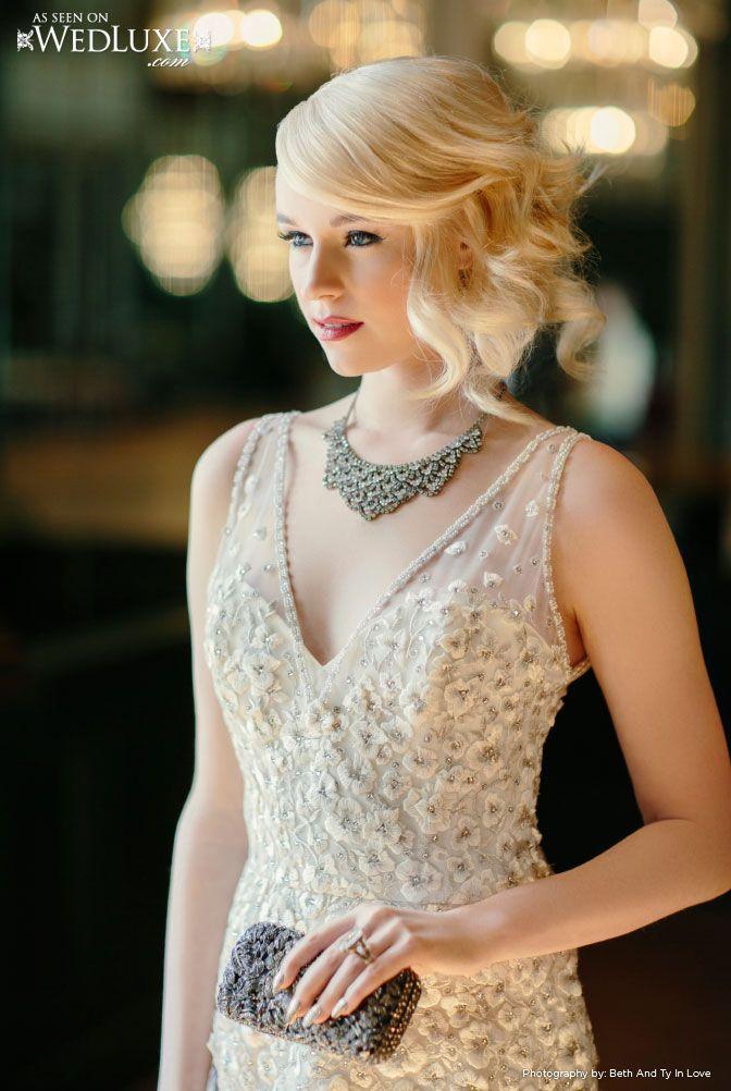 Antique silver necklace with v neck gown bridal for Necklace for v neck wedding dress