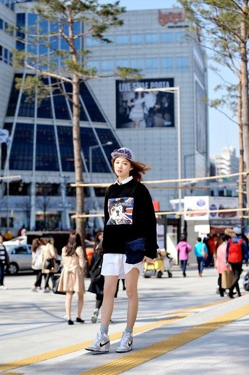 Streetstyle: Lee Seongkyeong at Fall 2014 Seoul Fashion Week shot by Choi Seung Jum