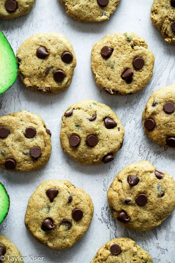 Whole Wheat Avocado Chocolate Chip Cookies | Food Faith Fit Healthy Avocado Chocolate Chip Cookies