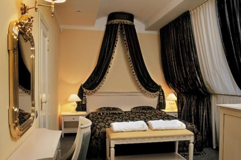 Romantic Black Gold Bedroom Design Decorating Ideas For Couple
