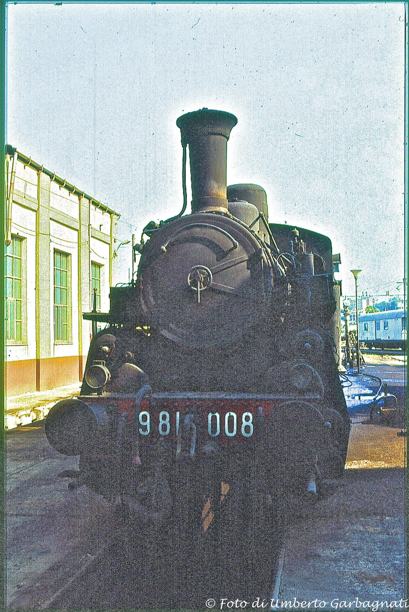 Locomotiva a vapore (a cremagliera per la ferrovia Paola-Cosenza) - FS-981.008 - deposito di Paola (I) - 13 lug 1983 - © Umberto Garbagnati -