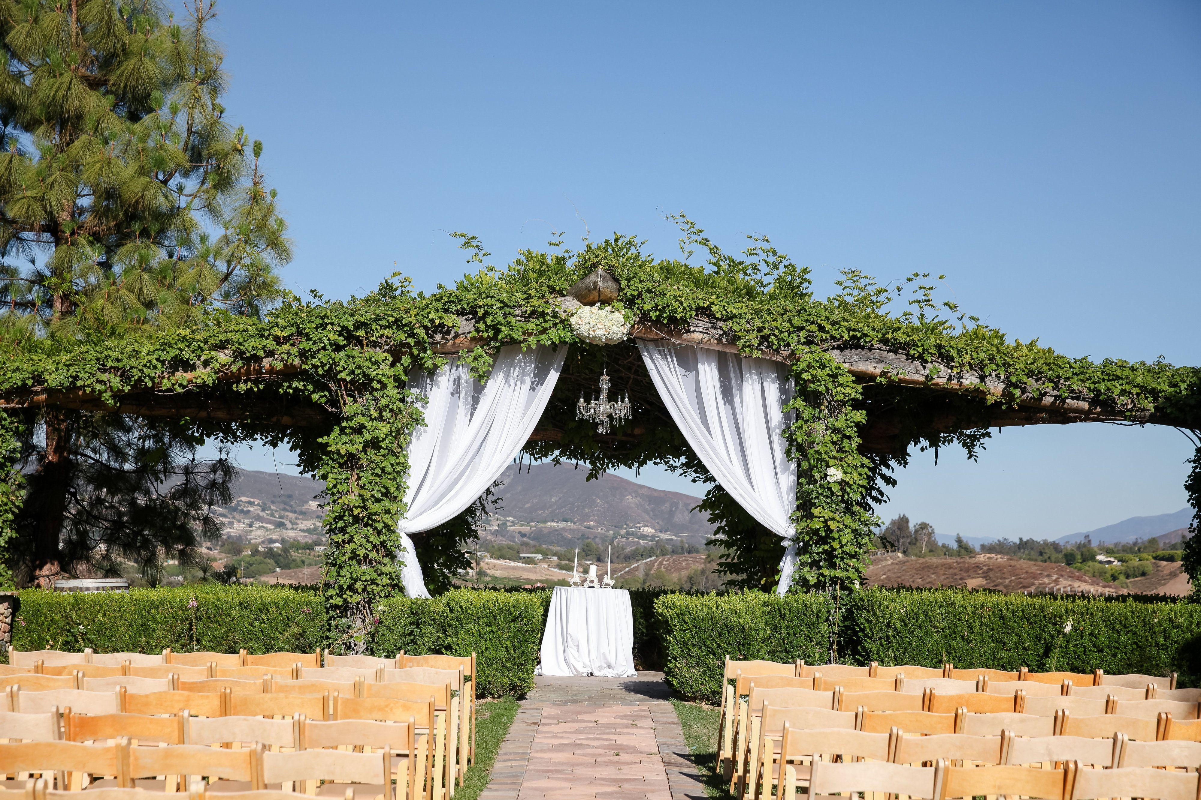 18+ Temecula wedding venue prices information