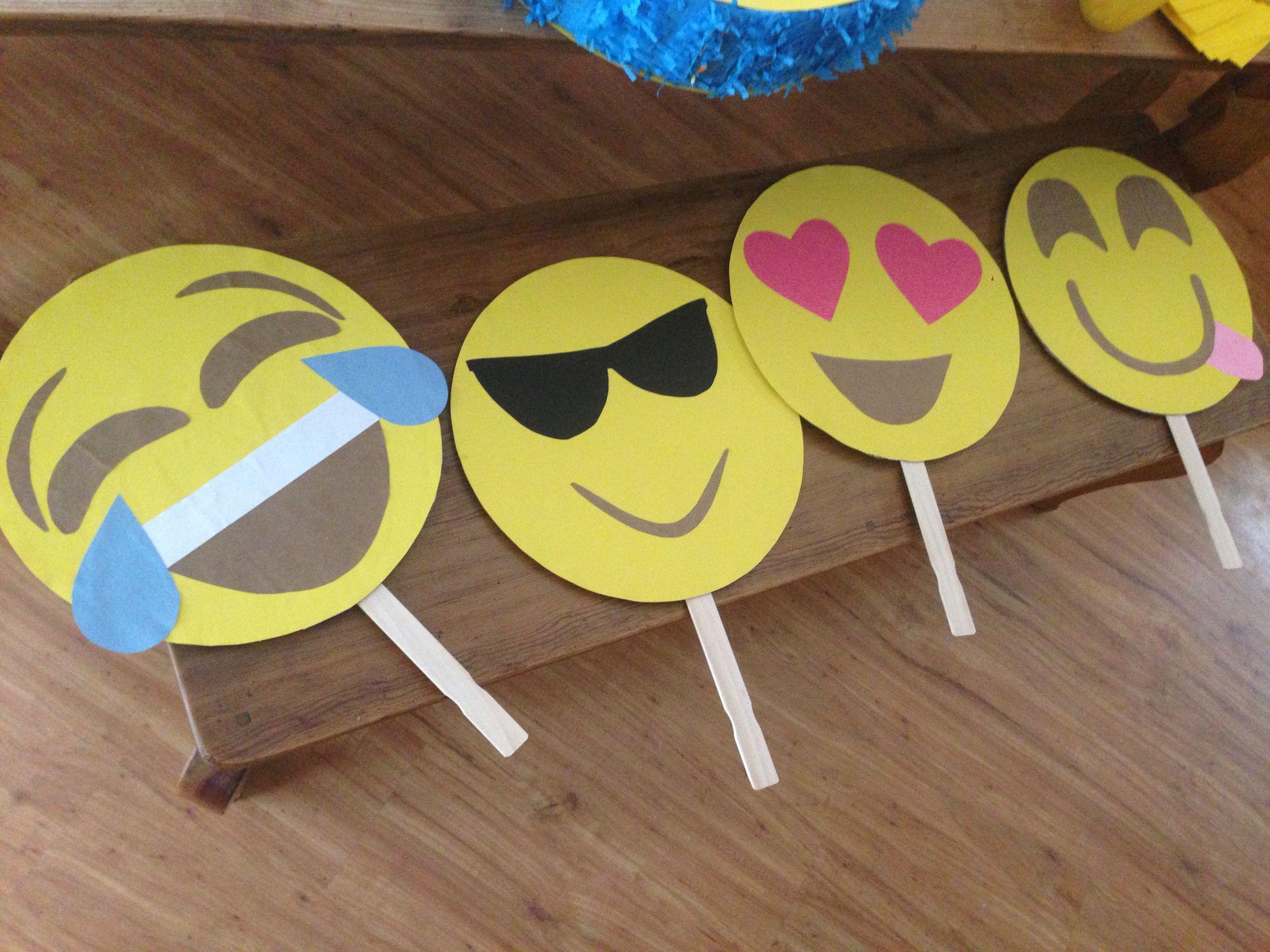 Emoji Photo Props Cardboard Construction Paper Scissors