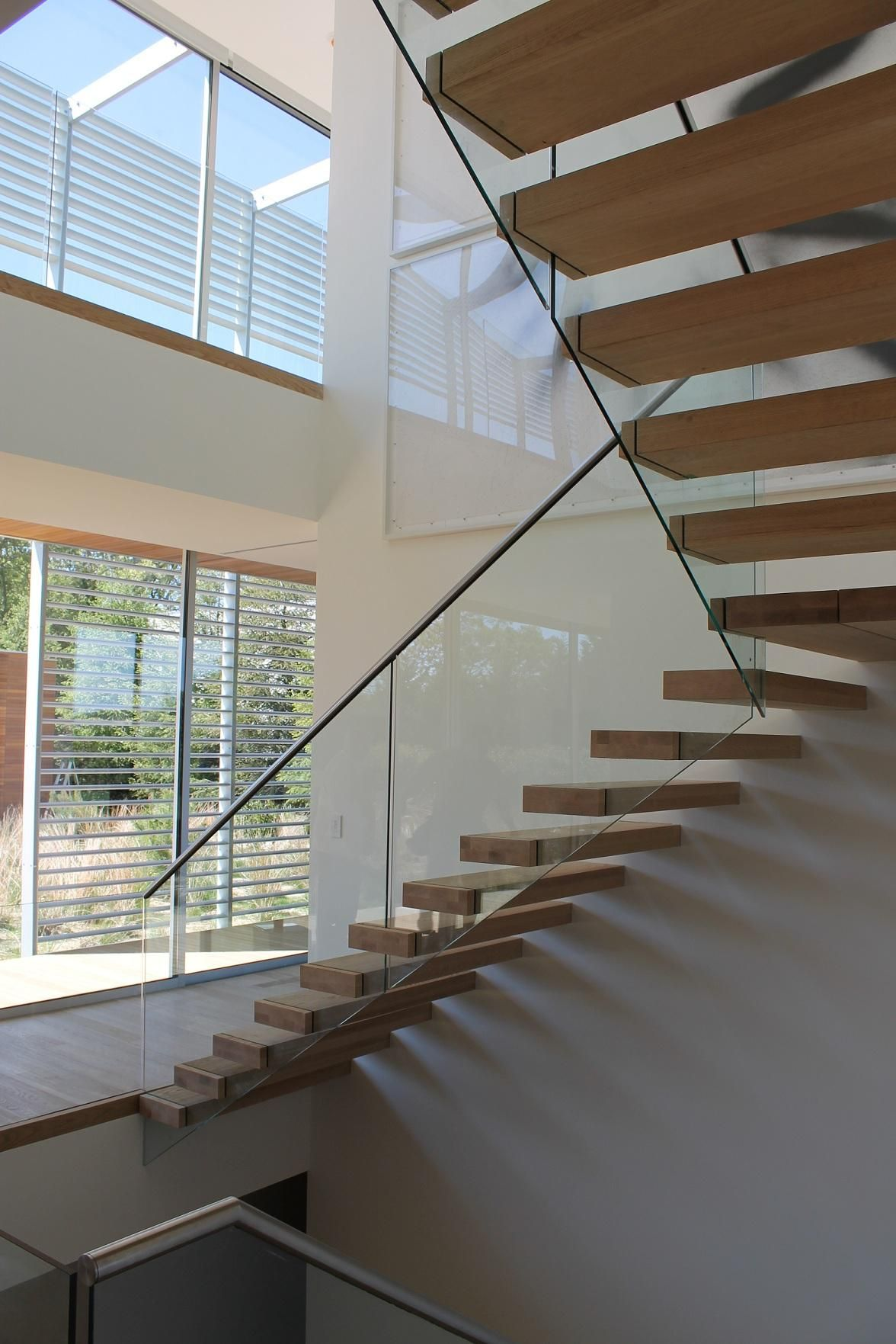 Floating Stairs by EeStairs