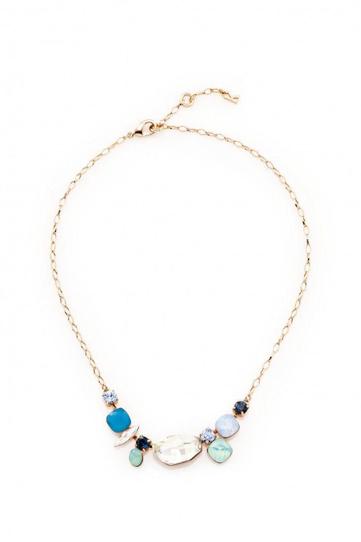 Subtelny naszyjnik pozłacany 24-karatowym złotem i ozdabiany kryształami Swarovski Crystals w twarzowych odcieniach bieli, zieleni i błękitu.