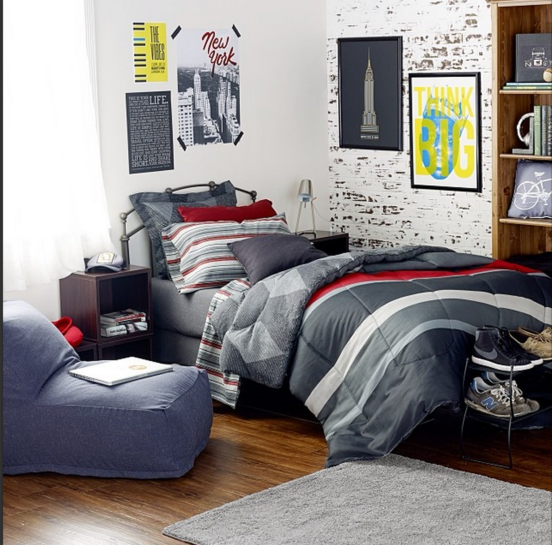 dorms dorm ideas black diamond comforter fake brick walls guy dorm guy