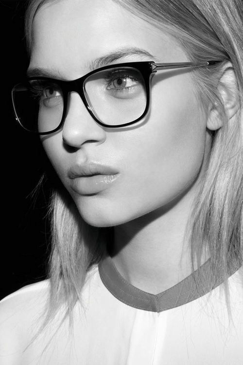 104dc5dc7723 Fashionable Glasses. 2017 Eyeglasses Trends. It's a party of colours, reds  and browns