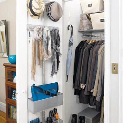 High Quality Closet Organizers: A Mini Master U0026 Entry Closet Are Uncluttered In A New  York Minute