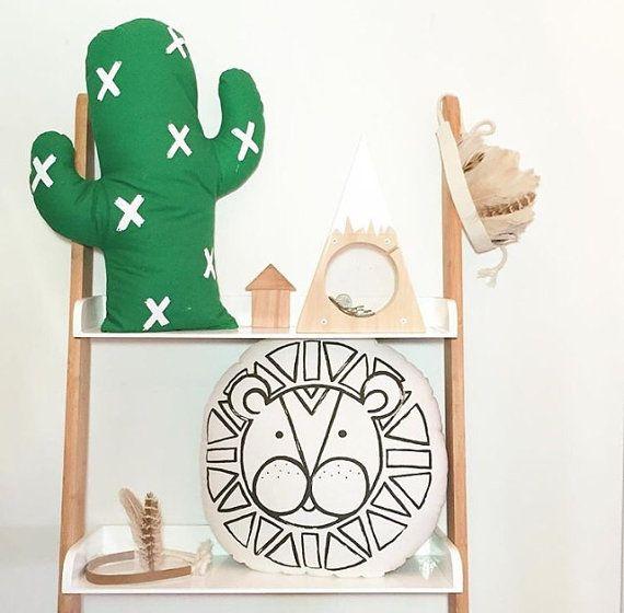 KaktusKissen in grün oder schwarz Kinderzimmer von