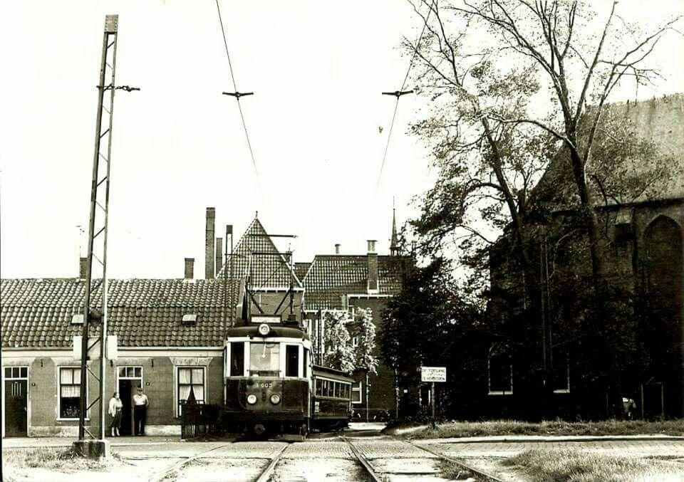 Tram komende uit Voorstraat, links Heilige Geestweg