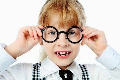 الدكتور جمال الصقلي هل تعلمي سيدتي أن ذكاء طفلك بيدك Glasses