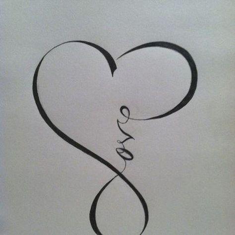 exemple tatouage infini femme coeur et mot love