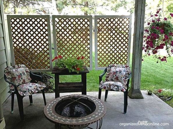 Wanting privacy for her backyard patio, this blogger from Organized Chaos whipped up some lattice panels (w...
