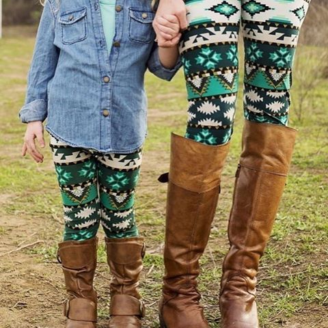 Loving Aztec prints lately! Hope I get these in my first order. (Join my group if you'd like to be part of my launch, link in bio) #LulaRoe #lularoeleggings #butterleggings #instafashion #minime #twinning #sahm #ootd