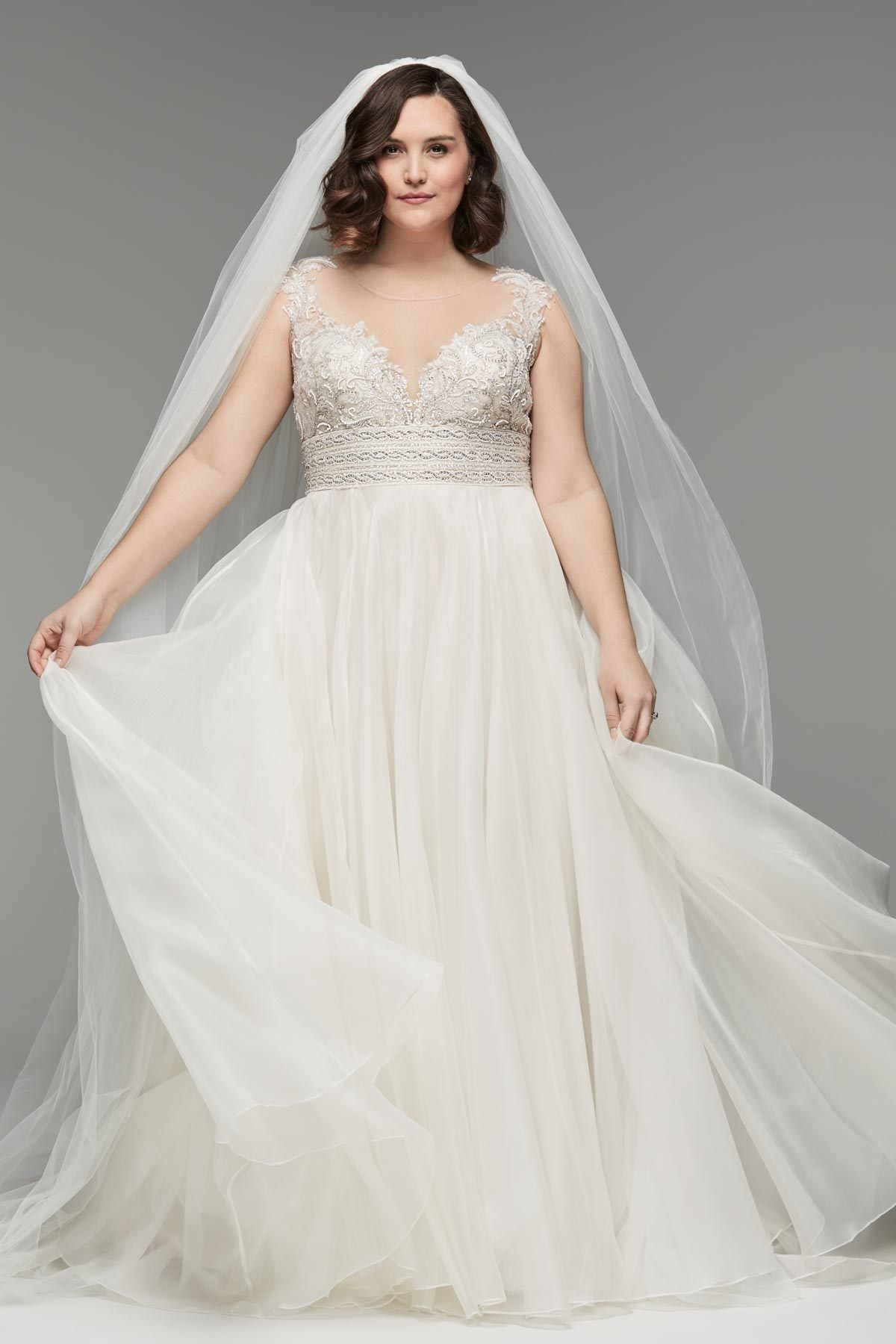 27 Plus Size Wedding Dresses To Flatter And Flaunt Your Curves Plus Size Wedding Gowns Wedding Dress Outfit Wedding Dresses Plus Size [ 1800 x 1200 Pixel ]